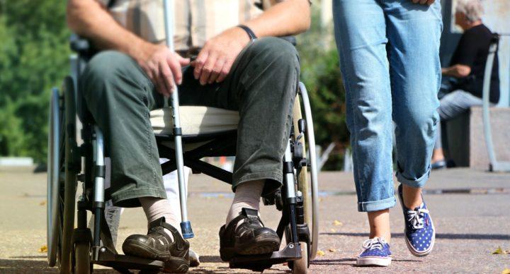 Accueillir, informer et orienter les personnes en situation de handicap en milieu touristique